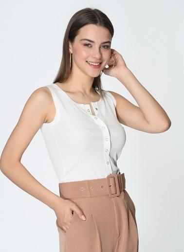 Loves You Çıtçıtlı Kalın Askılı Bluz Beyaz